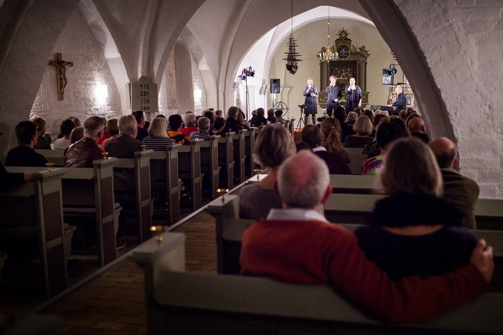 Gospelkoncert udefra https://www.oestrup-skeby-gerskov-kirker.dk/