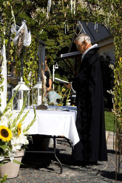 Bryllup www.oestrup-skeby-gerskov-kirker.dk