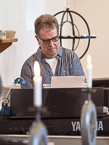 Organist Niels Erik Clausen Søndergade 36 B 5450 Otterup Tlf. 30 55 67 50