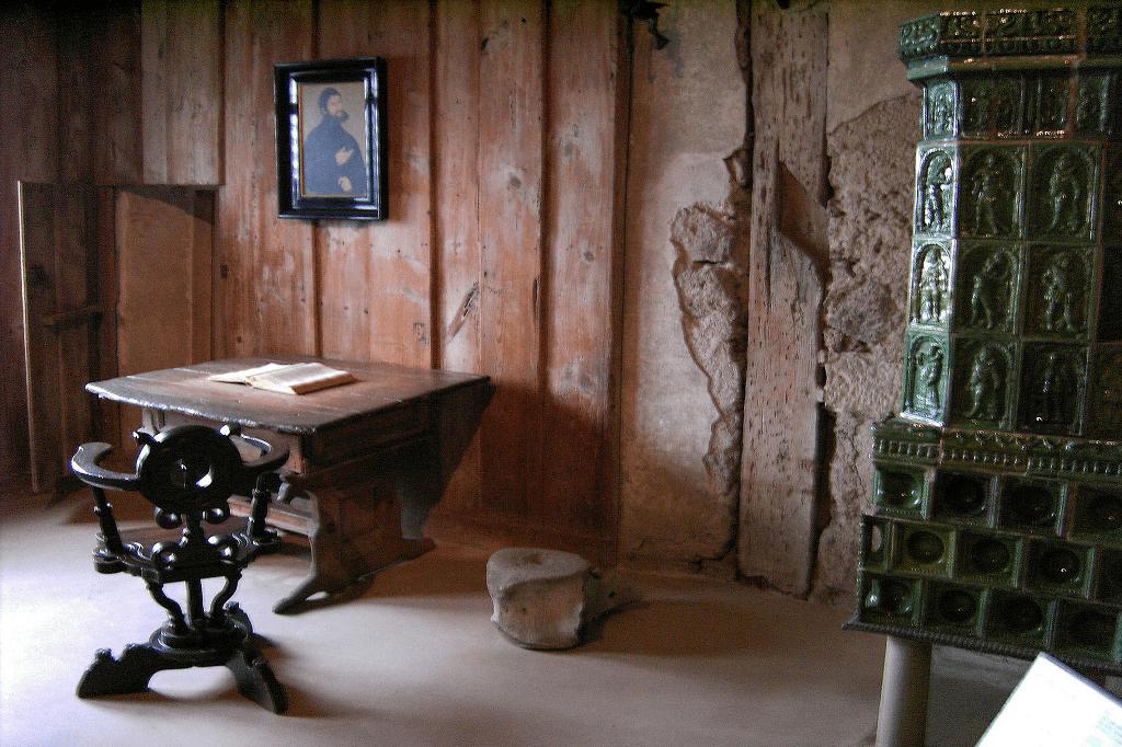 Martin Luther Reformationen - Nadver central Wartburg Luthers arbejdsværelse https://www.oestrup-skeby-gerskov-kirker.dk